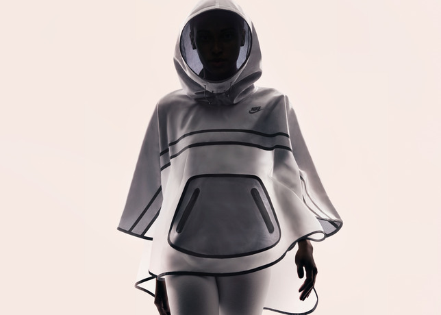 Su14_NSW_Tech_Pack_Poncho_A_02_29275